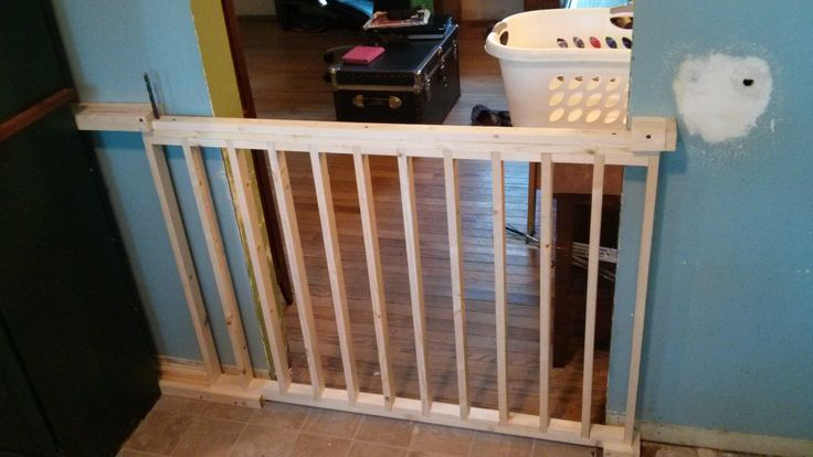 I built a sliding dog gate from scratch. - Imgur