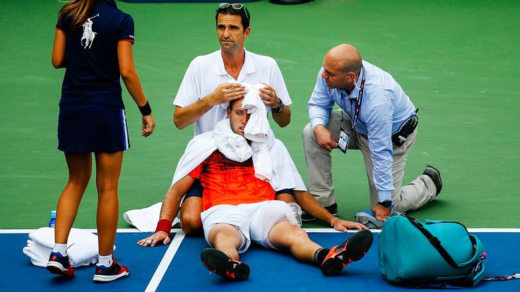 How to stay hydrated out on the tennis court  |  Pat Cash Tennis