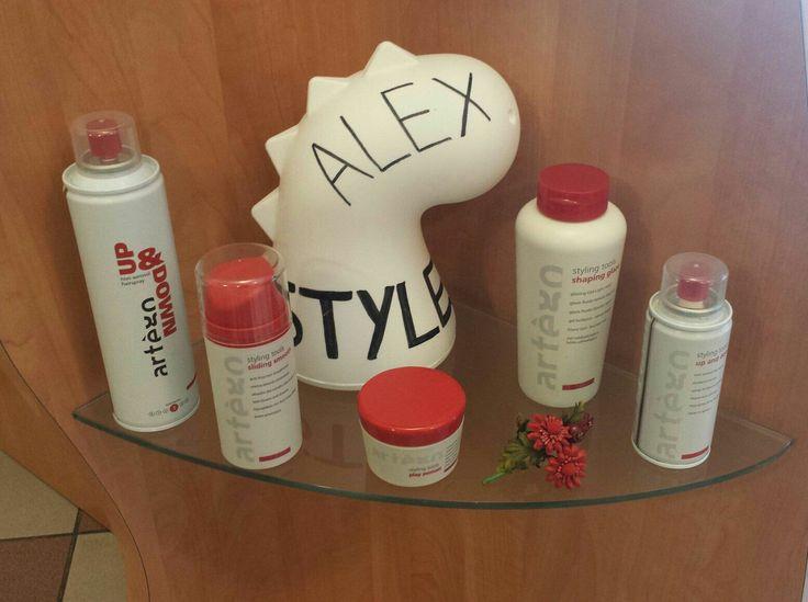 """Anche il #draghetto di #euro3plast sceglie Alex Style! Ecco quali prodotti #artègo usa per mantenere la """" cresta alta """" anche in caso di pioggia!!! - Ecolacca UP & DOWN  - SLIDING SMOOTH  - PLAY POMATT  - SHAPING GLAZE  Prodotti a prova di drago #dragonproof! !!! #hair #capelli #hairstyles #acconciature #styles #parrucchiere #acconciatore #prodottiprofessionali #qualità #salon #salonedibellezza #viaspetto #merlara"""