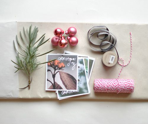 DIY Christmas wrapping paper | bold.color.glass blog