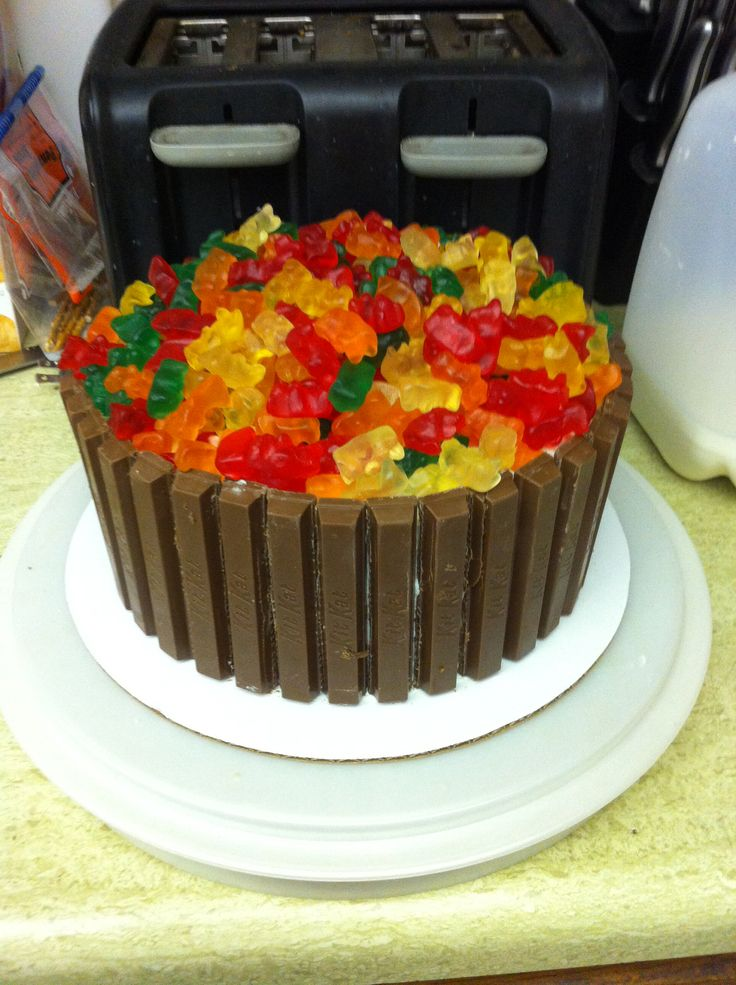 This Is One Of My Fave Cakes To Make For Boyfriend Gummy Bear Cakesgummy