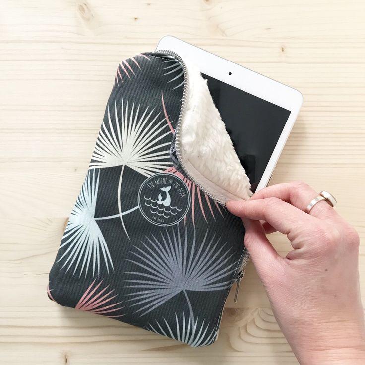Palm Leaves iPad Mini Sleeve - iPad mini cover - iPad mini 4 case - tablet sleeve - tablet case -vegan bag - surfer girl - women accessories