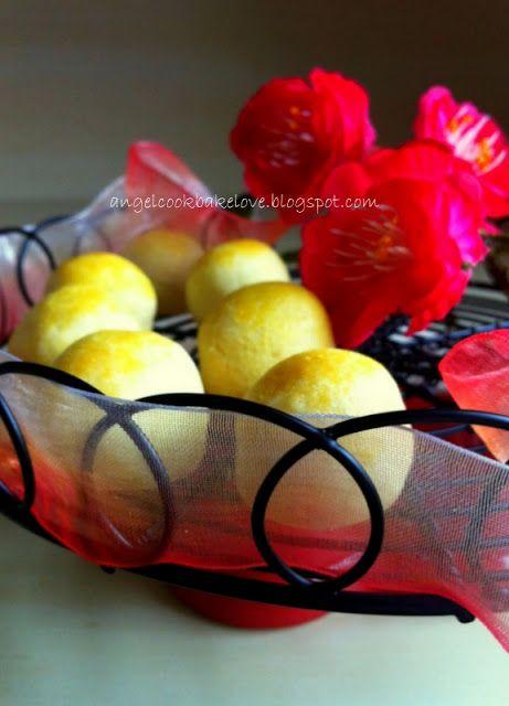 Cook.Bake.Love: [Warning: Highly Addictive!] Aunt's Pineapple Tart...