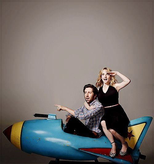 Simon Helberg & Melissa Rauch from BBT. http://www.iqcatch ...