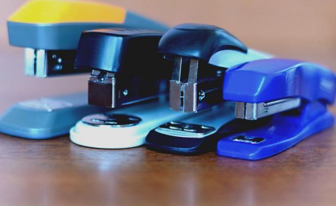 Acredite se puder: grampeador tem uma função que você nunca soube - Vix