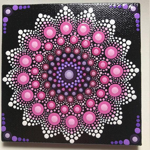 Mandala pintada a mano en la lona Mandala de la meditación