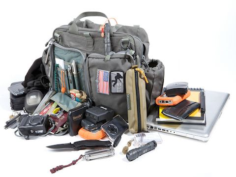 5 Essential Survival Items Every Woman Should Have in Her Purse: Most survival articles seem to be geared towards men following manly pursuits, but ladies this one is for you. When it comes to survival, women already have an advantage, especially when it comes to carrying survival items with you wherever you go.