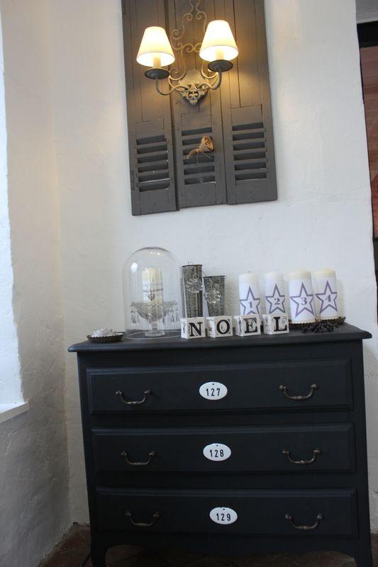 tout d tournement d 39 objet est ici autoris commode trouv e 10 volets persiennes. Black Bedroom Furniture Sets. Home Design Ideas
