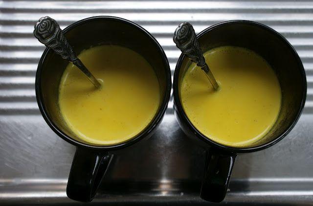 """La bevanda a base di latte e curcuma spesso viene definita """"latte d'oro"""", non solo per il suo colore caratteristico ma per le numerose proprietà benefiche. Come dimostrato da recenti …"""