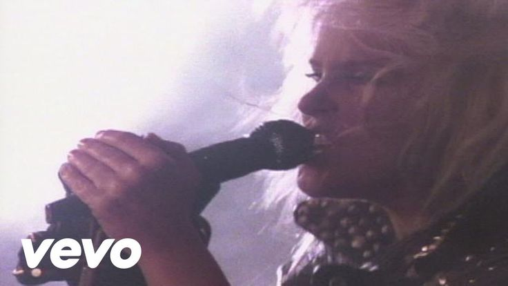 Lita Ford - Kiss Me Deadly  Lita Ford's official music video for 'Kiss Me Deadly'. Click to listen to Lita Ford on Spotify: http://ift.tt/1X6iZ7E As featured on Lita. Cl...