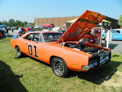 8/23 – Hillbilly Festival and Classic Car Show – Broadview Heights  http://ohiofestivals.net/42-hillbilly-festival-and-classic-car-show-broadview-heights-august-25-2012/