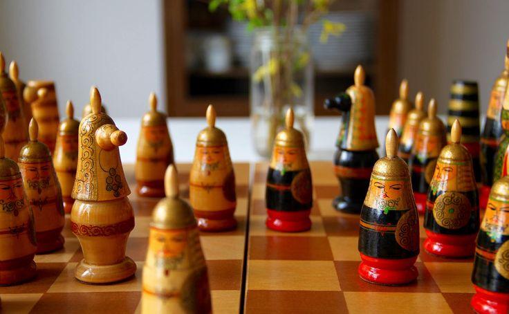Vintage Original, Hand Painted Chess Set from Soviet Union-Mongolia-1970's.(Schachspielset aus der Sowjetunion)-Made in USSR-RARITÄT!(10) von SovietGallery auf Etsy