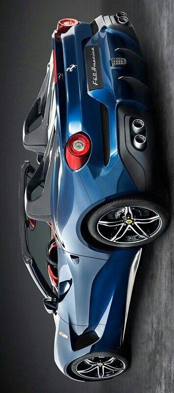Ferrari F60 America en $2,500,000 de dólares por si te interesa.