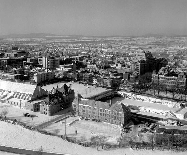 La colline Parlementaire en 1969   Le Soleil