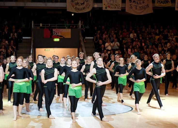 Noget af det specielle ved Forum Horsens er, at der er mulighed for at putte lidt lækkert lys på gymnasterene!