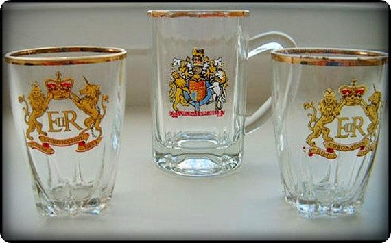Queen Elizabeth II  1953 Coronation Shot by thevintagearcade, $32.00: Queen Elizabeth, Antique Glassware, Coronation Shot, Elizabeth Ii