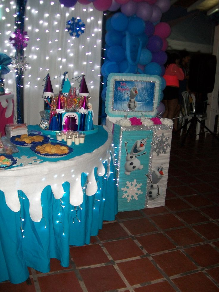 Caja para regalos y dispensador de chucherias de frozen for Manualidades decoracion infantil