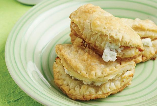 Τέλεια τραγανά τυροπιτάκια from www.argiro.gr