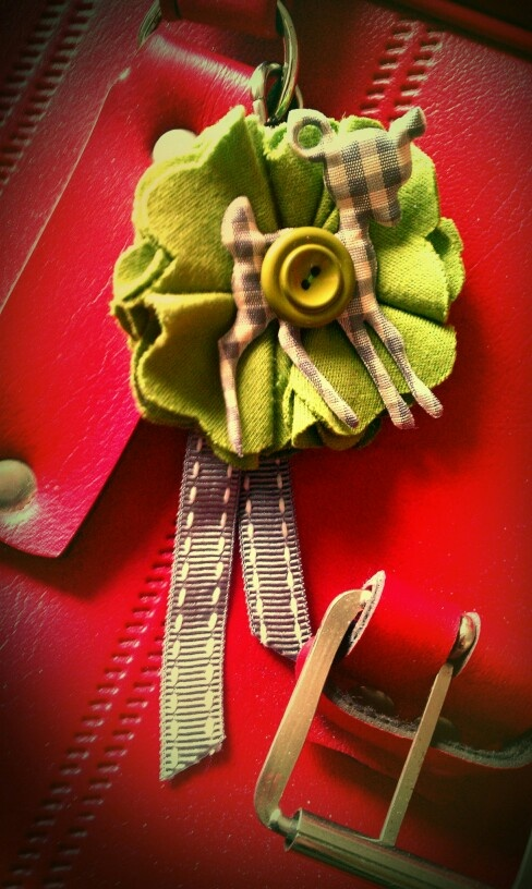 "Lucky clover keyring...made from leftover jersey fabric,ribbon,...(inspired by Sara Duchars & Sarah Marks' ""ReCraft"" book)"