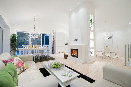 Una casa sencilla en el exterior y gran dise帽o de interiores