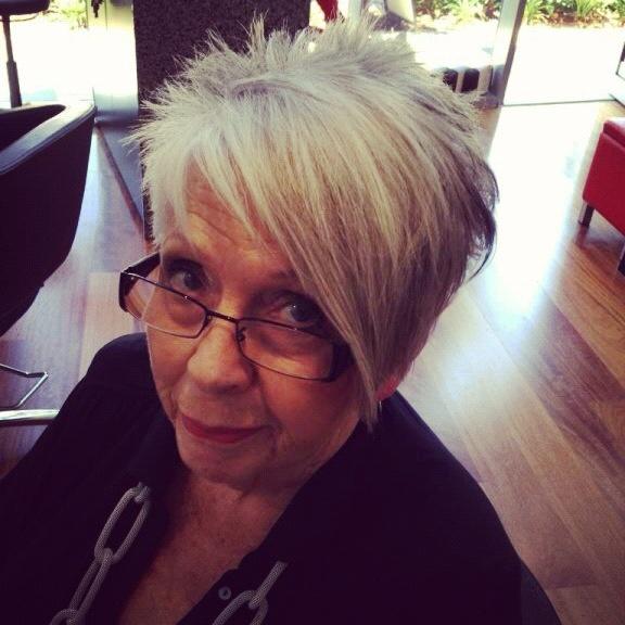 Cool hair cut at mow hair Gold Coast hairdressing salon