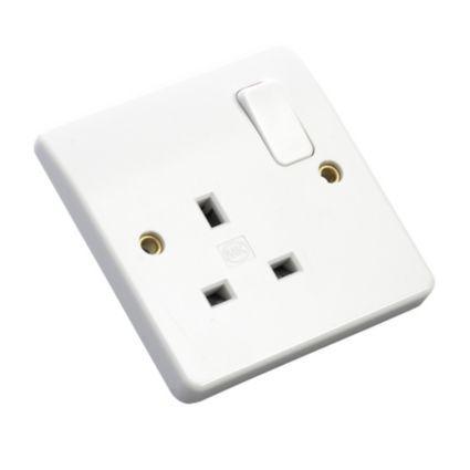 MK Low Profile White Switched Single Rocker Socket: Image 1