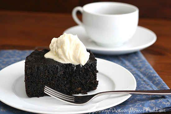 Low-Carb Slow Cooker Chocolate Cake