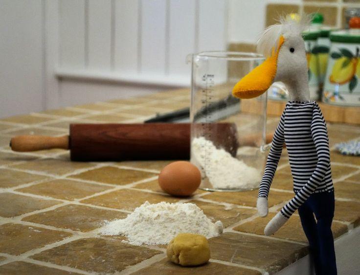 Buongiorno #AmiciDelGarda, sto provando a fare i frollini suggeriti dal Lago di Garda; che dite? Speriamo vengano buoni! La ricetta l'ho presa qui:  https://www.facebook.com/notes/lago-di-garda/frolline-di-santa-lucia-i-gusti-del-garda-ricette/557979910955614 #FeliceAdventures #VisitlagoDiGarda