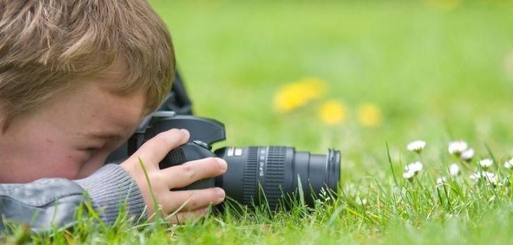Besoin d\\\'une activité familiale extérieure amusante qui plaise à tout le monde ? Découvrez l\\\'effervescence de la recherche de trésors de la nature avec un rallye photo en plein air. Voici comment planifier et organiser un rallye photo nature plus quelques conseils pour vous aider à prendre de superbes photos.Intérêt ...