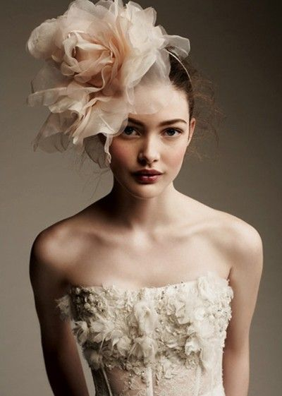 dramatic and romantic hat <3 I wouldn't ever wear a hat on my wedding day but maybe for some grand event ;)