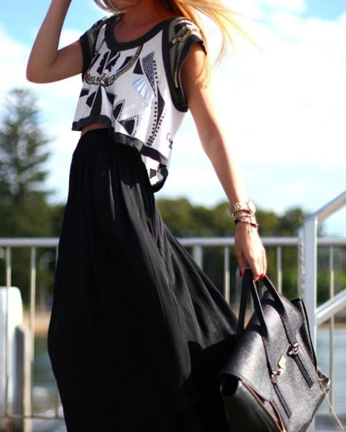 Aztec pattern maxi skirt cropped top black and white