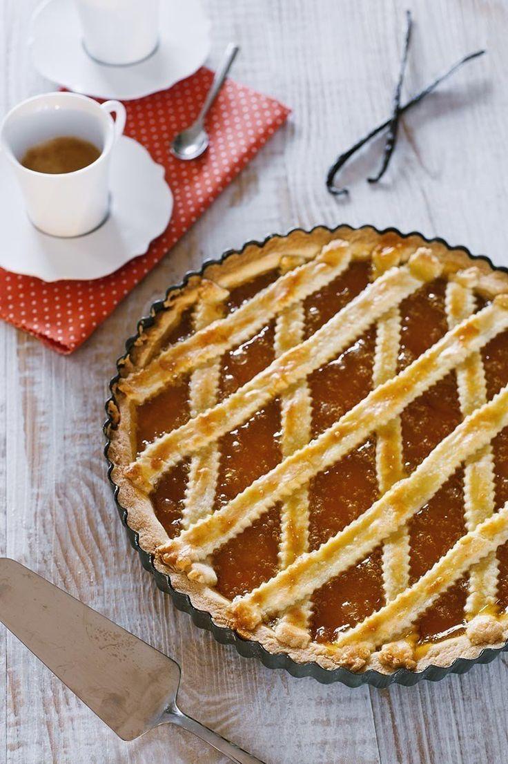 Crostata alla confettura di albicocche: Il #dolce casalingo per eccellenza? Ovvio la crostata, questa è la mia ricetta super collaudata della #crostata di #confettura di #albicocche.