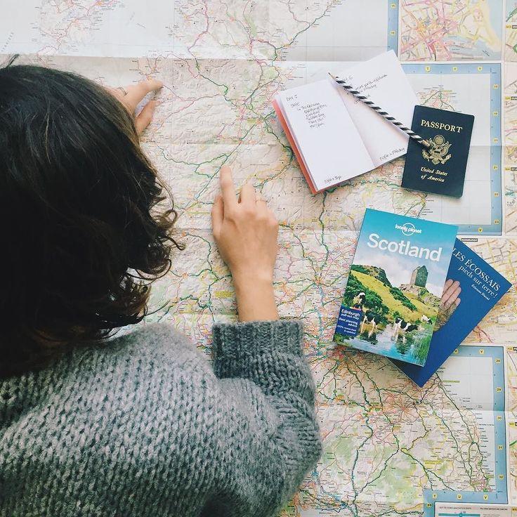 Plus que 56 jours avant notre voyage en Écosse (oui je fais le décompte) ! Je prépare ce road trip et rêve de ces paysages depuis des mois; il reste encore quelques détails à peaufiner mais globalement les 8 jours sont à peu près organisés. Hiiiii ! /  A little less than two months left before our holidays in Scotland! I've been dreaming of going there and preparing the road trip for months now so I'm pretty excited! #travel #voyage #map #scotland #visitscotland by mangoandsalt