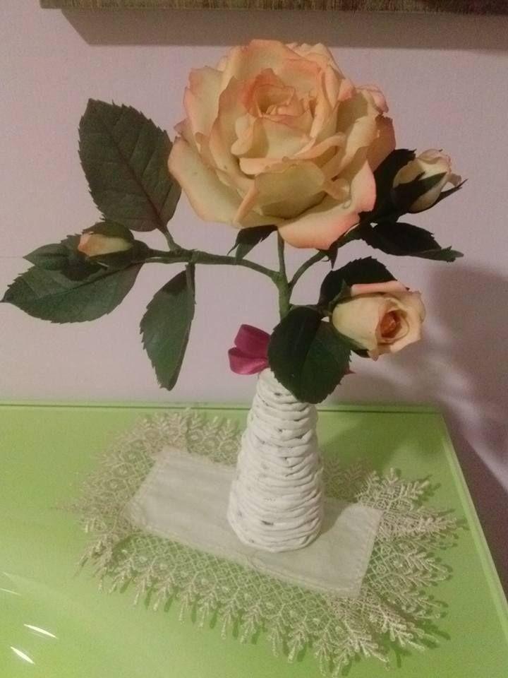 rosa in porcellana fredda di Cristina R.