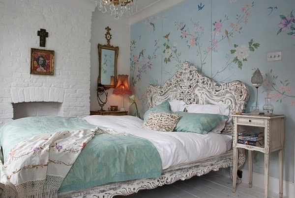 Beautiful Baroque Bedroom with Floral Wallpaper Decoration Picture