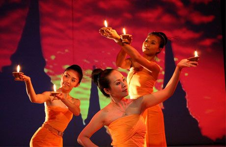Candle dance is essentially a collection of dances presented by dancers to the accompaniment of a set of musicians.