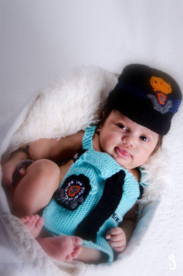 #babyshoot #smile #cute #baby #portrait #fotoshoot #fotografie #photography #daddysuniform #mareshausee #proudofmydad  #photoshoot #sweet #sandraakjespics www.sandraakjespics.weebly.com