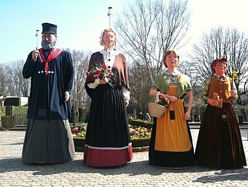 Portrait de famille - les géants de Hazebrouck. Family portrait - the giants of Hazebrouck.