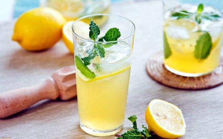 Фітнес харчування дієта склянка лимоної води