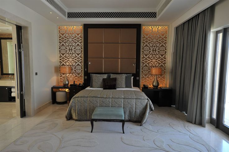 One and Only The Palm Dubai, United Arab Emirates. #lighting #design #interior #lamp #oriental #monochrome