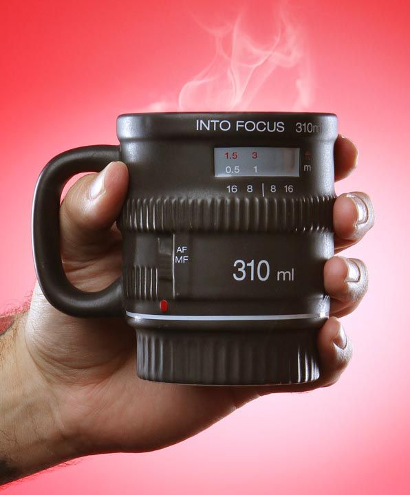 i don't like the travel mug camera lens designs i've seen, but this one is really fun to me. | Into Focus DSLR Camera Lens Coffee Mug