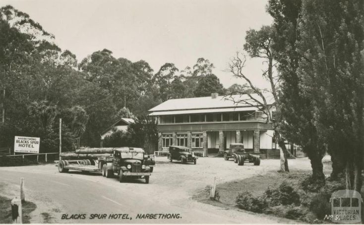Blacks Spur Hotel, Narbethong  ..  Just down the road from where my mum was born in 1928 ♡