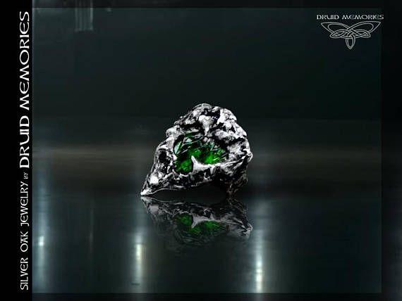 Raw chrome diopside ring Leaf of Sandragon druid