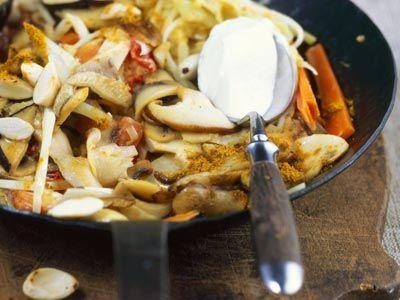 Pilz-Gemüse-Pfanne mit Mandeln