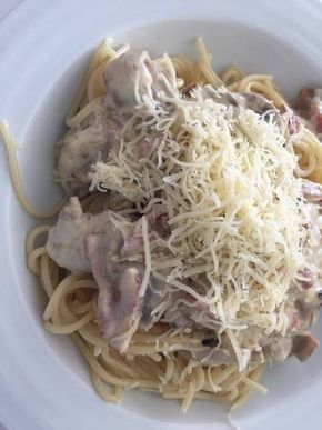 Espaguetis con salsa de puerro y champiñón