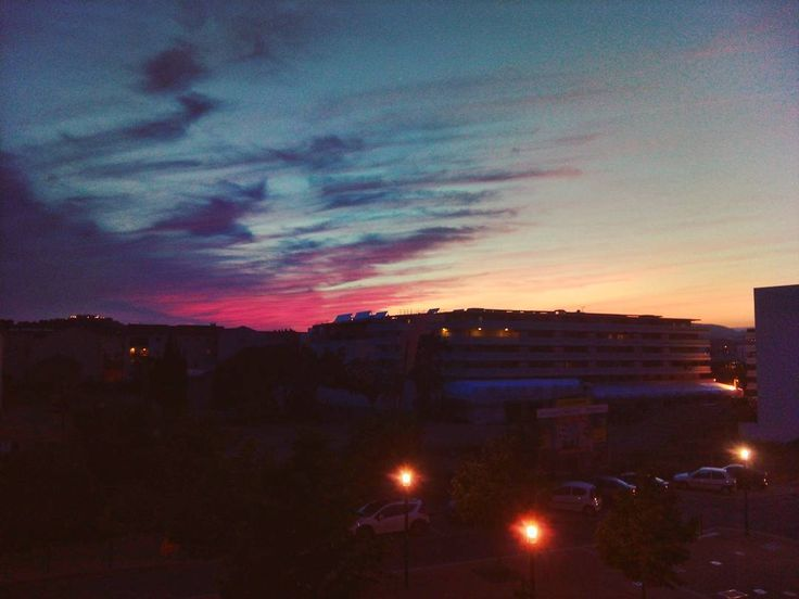 ���� #sunset #coucherdesoleil #home #endoftheday #southfrance #laseynesurmer #toulon #view #sea #mountain #sixfours #landscape #destination #travel #capture #adventure #beach #moment #skycolors #colors #exploringtheglobe #worldtravel #var #cotedazur #provence #beautifulday #sky #firesky #beautifullandscape #worldcaptures http://tipsrazzi.com/ipost/1511105311732197644/?code=BT4hkZcAOkM