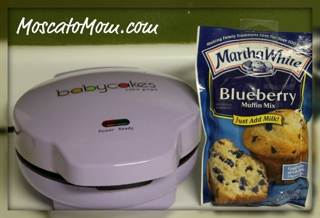 Blueberry Cake Pops...gonna try this n my waffle maker 2! :)