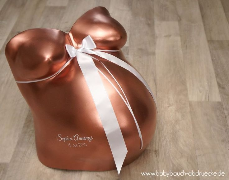 Gipsabdruck vom Babybauch im modernen Rosé Gold Chrom-Look! Atelier Body-pArts, Julia Schulze, www.babybauch-abdruecke.de