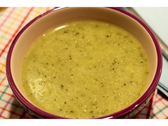 Sopa de courgette e quinoa