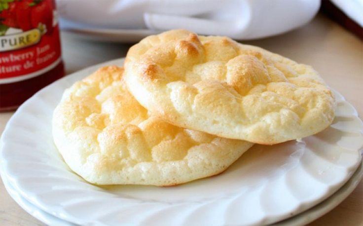 Een nieuw soort brood komt overgewaaid uit Amerika. Eentje zonder gluten, zonder koolhydraten, zonder al te veel calorieën, maar met veel eiwitten: het 'cloud bread'.